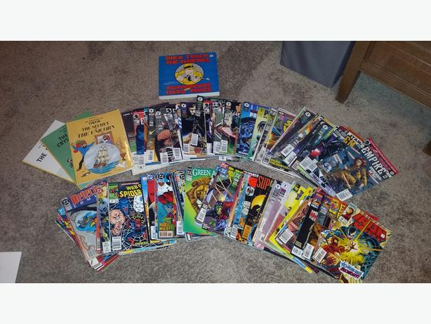 Pile of over 100 comic books