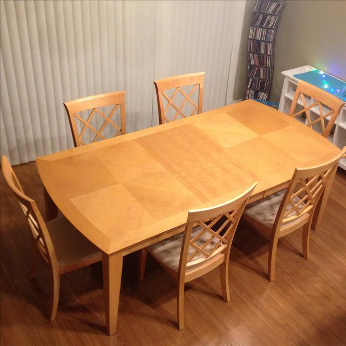 SOLID WOOD DINING ROOM TABLE AND CHAIRS Saanich Victoria : 56549195934 from www.usedvictoria.com size 700 x 700 jpeg 57kB