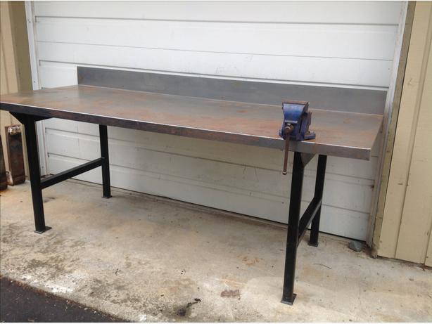 Metal top solid work bench and vise