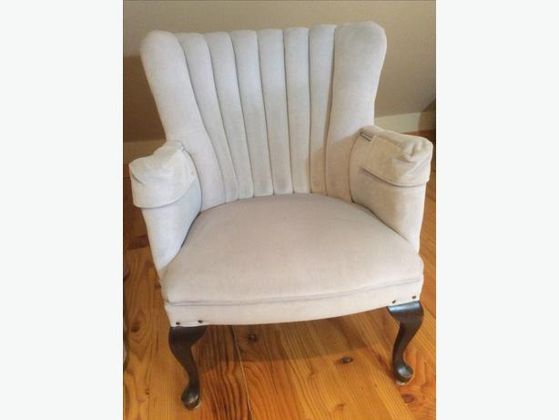 HIGH BACK UPHOLSTERED ARM CHAIR