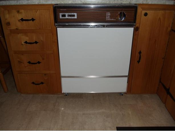 Dishwasher, Stove and Fridge