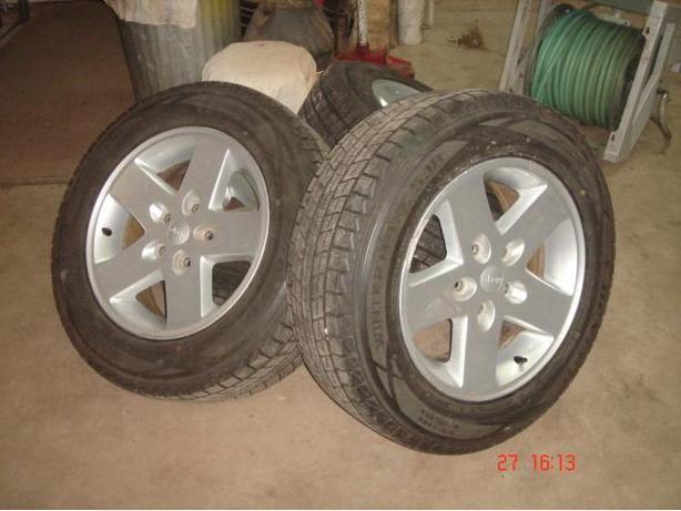 "Set of 5  - 17""  Jeep Alloy Wheels"