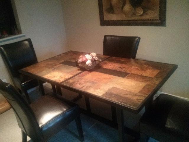 Dining room table central ottawa inside greenbelt ottawa for Dining room tables kelowna