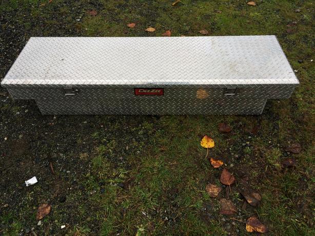 Deezee aluminum truck box