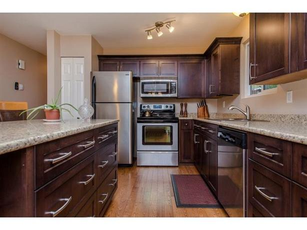 Awesome Home in East Abbotsford! Whole House for Rent in Bateman Neighborhood