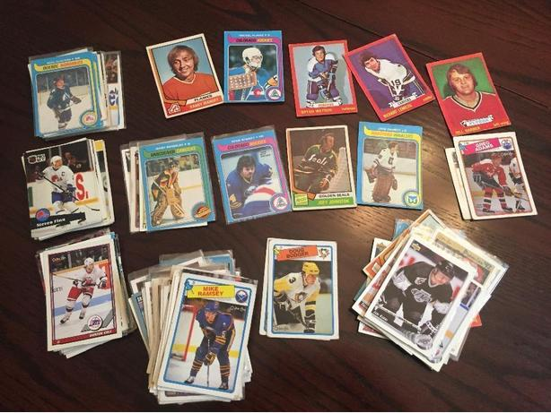 Over 150 Hockey cards