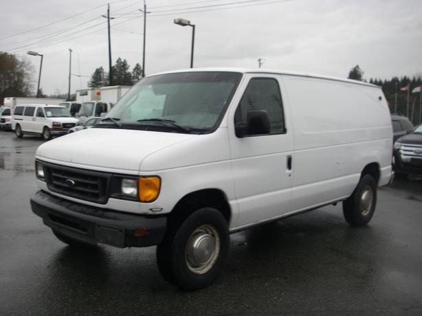2003 Ford Econoline E-350 Super Duty Cargo Van