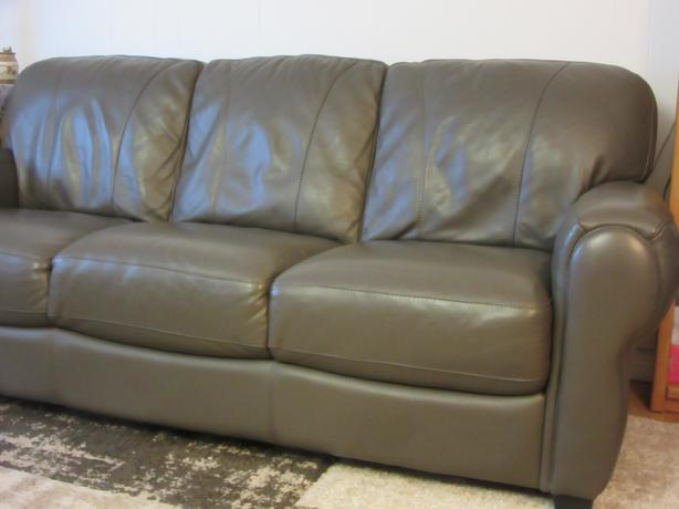 Leather  Couch... In  Very  Good  Condition