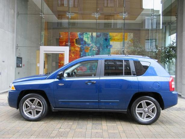 2009 Jeep Compass Sport North Edition 4WD - HEATED SEATS!