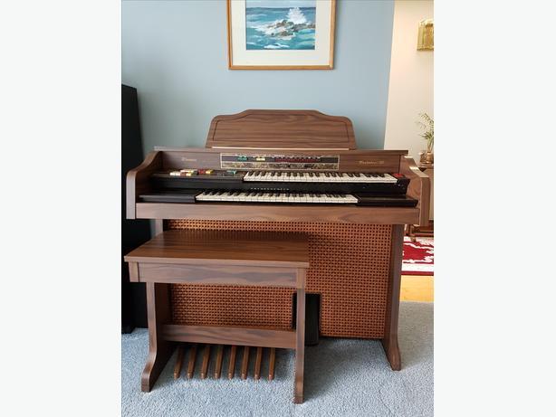 FREE: Electric organ