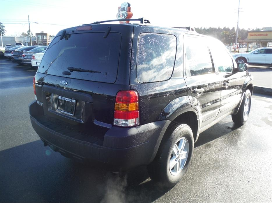 Galaxy Motors Courtenay >> 2005 Ford Escape XLT - Roof Rack, Auto Headlights West ...