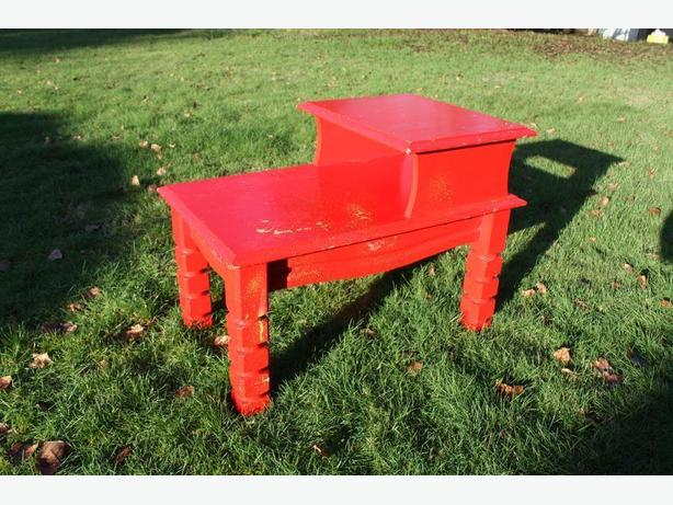 RETRO RED STEP END TABLE AND LOOK AT THE LEGS ON ME$20