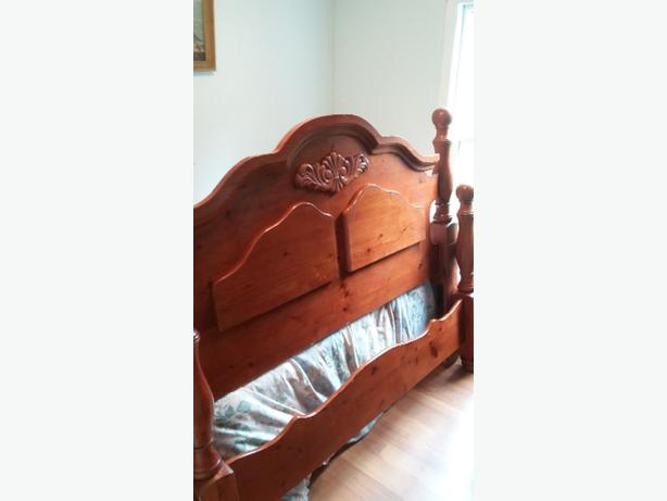 Queen 4 poster bed frame