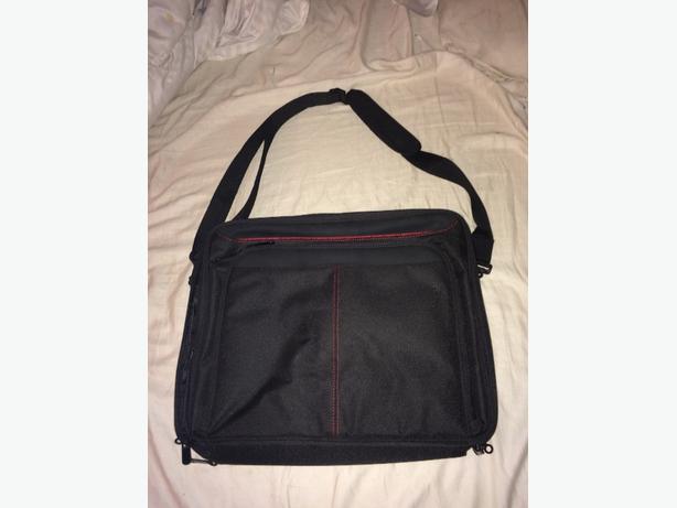heavy duty laptop carrying case