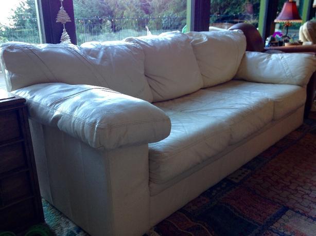 White Leather Chesterfield North Saanich& Sidney , Victoria