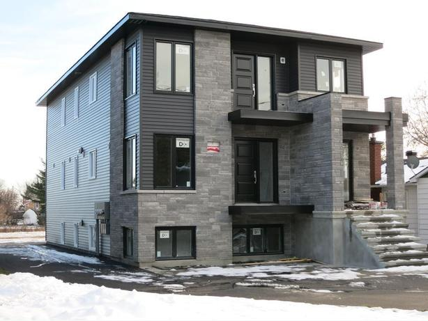 CALLING ALL INVESTORS! ENTIRE TRIPLEX WITH 3 UNITS IN CASSELMAN