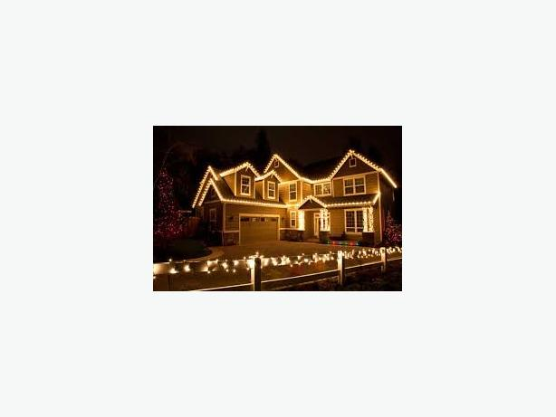 Staydry Roofing: Gutter cleaning, xmas light installations