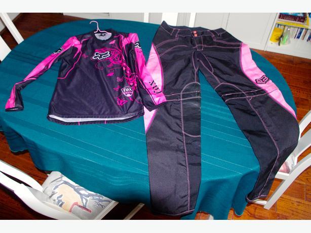 Ladies matching set of FOX riding gear