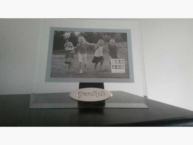 Grandkids picture frame 4x6 - New in box