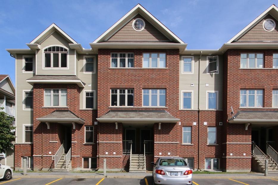 2 Bedroom 2 Bath Lower Unit For Rent In Baycrest Gardens Central Ottawa Inside Greenbelt