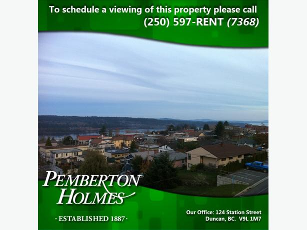 One Bedroom Top Floor Apartment in Ladysmith