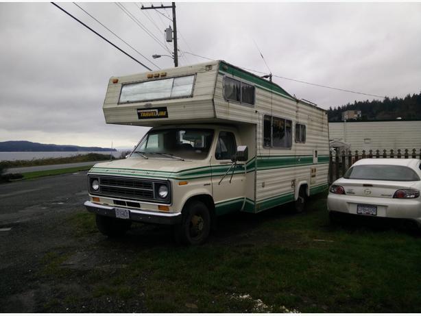 1978 Travelaire 27' Motorhome