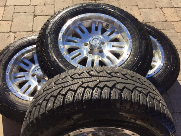 225 70r16 studded nokian hakkapeliitta tires rims south regina regina mobile. Black Bedroom Furniture Sets. Home Design Ideas