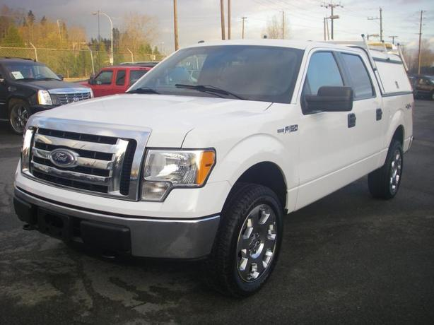 2012 Ford F-150 XLT SuperCrew 5.5-ft. Bed 4WD with Service Box and Roof Rack