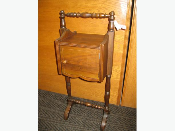 Smokers Stand From Past Times Antiques Amp Collectibles