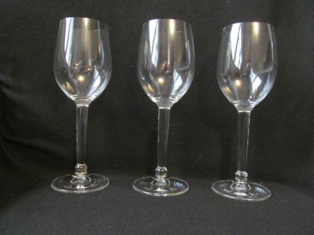 Wine glasses - new boxed set of 12