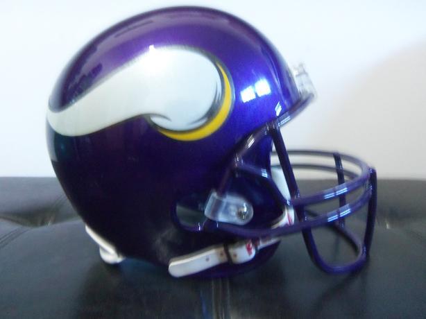 NFL Minnesota Vikings helmet