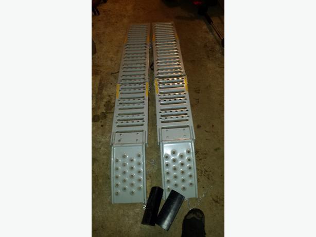 Folding ATV ramps