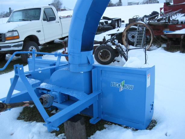 7 FT LUCKNOW SNOWBLOWER