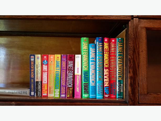 GREAT READS CHEAP = 34  BOOKS