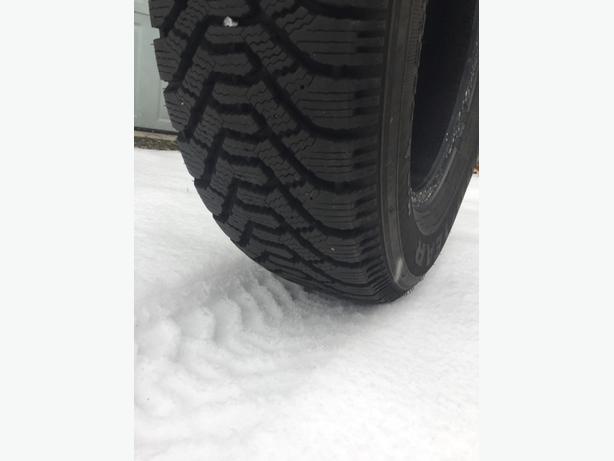 "15"" snow tires. 205/70r15. Goodyear nordics"