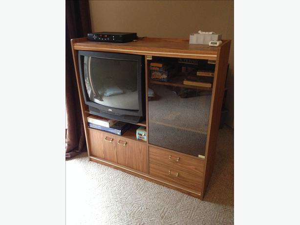 """20""""TV and stand FREE"""