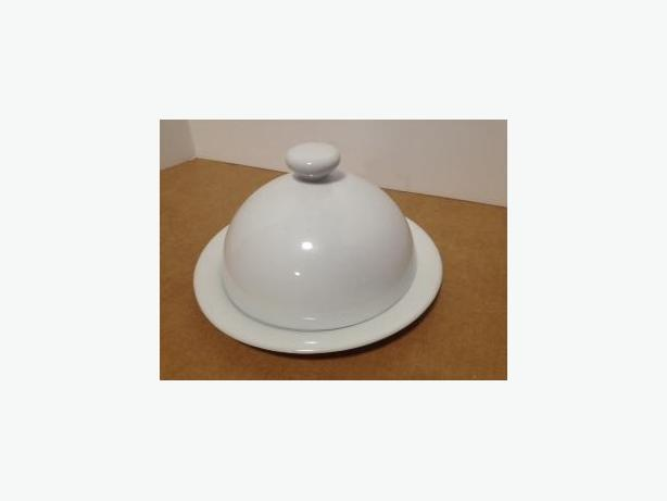WHITE PORCELAIN PLATE WITH DOME COVER - LIKE NEW