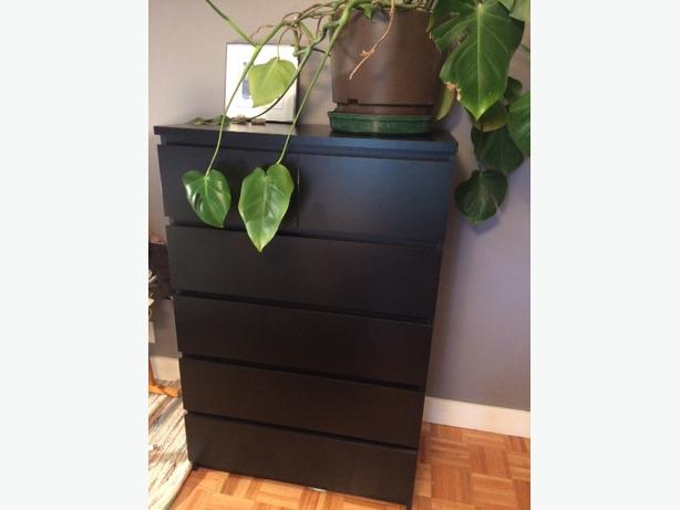 tall dresser, 2 nightstands