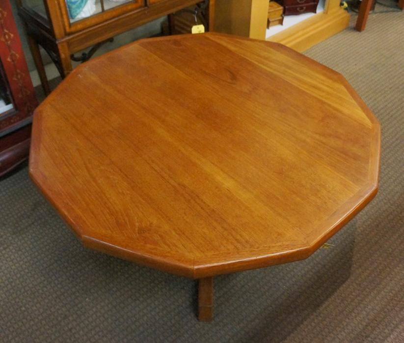 Teak Dodecagonal Pedestal Coffee Table (i-59995) Victoria
