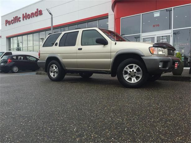 2001 Nissan Pathfinder SE - BEAUTIFUL BC SUV