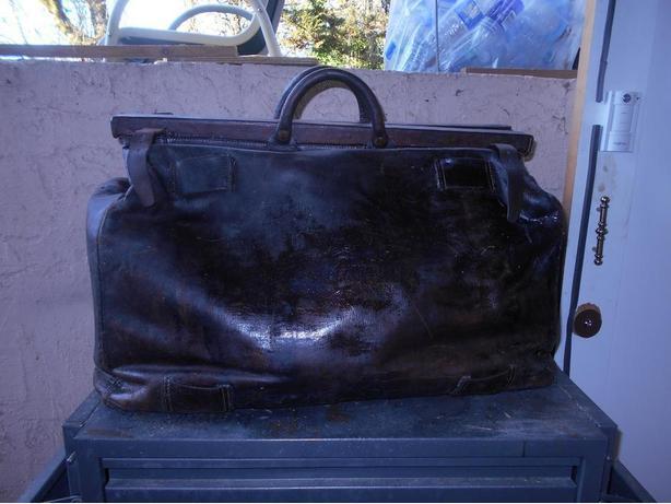 Antique Leather Carpet Baggers bag