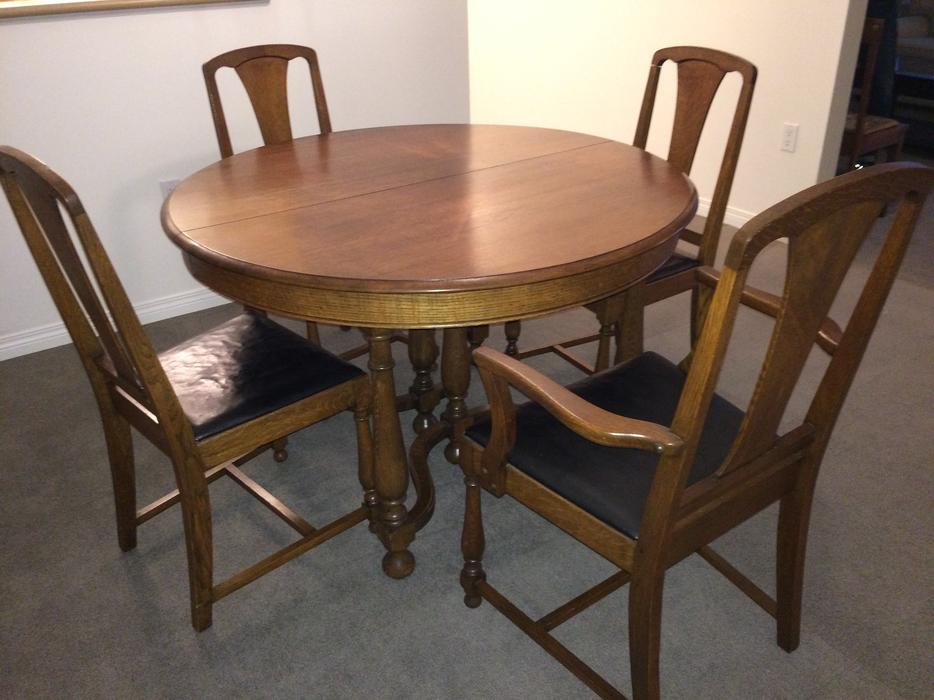 Antique Oak Dining Table And Chairs With 3 Leaves Central Saanich Victoria