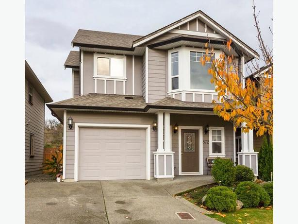 BEAUTIFUL MOVE-IN READY HOME