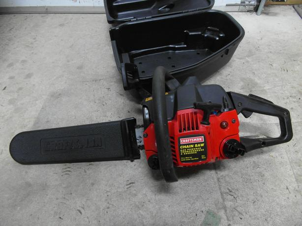 "16"" gas powered 36cc chainsaw in case"