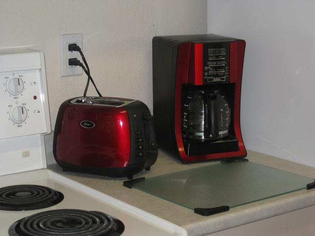 Red sunbeam coffee machine, like new.