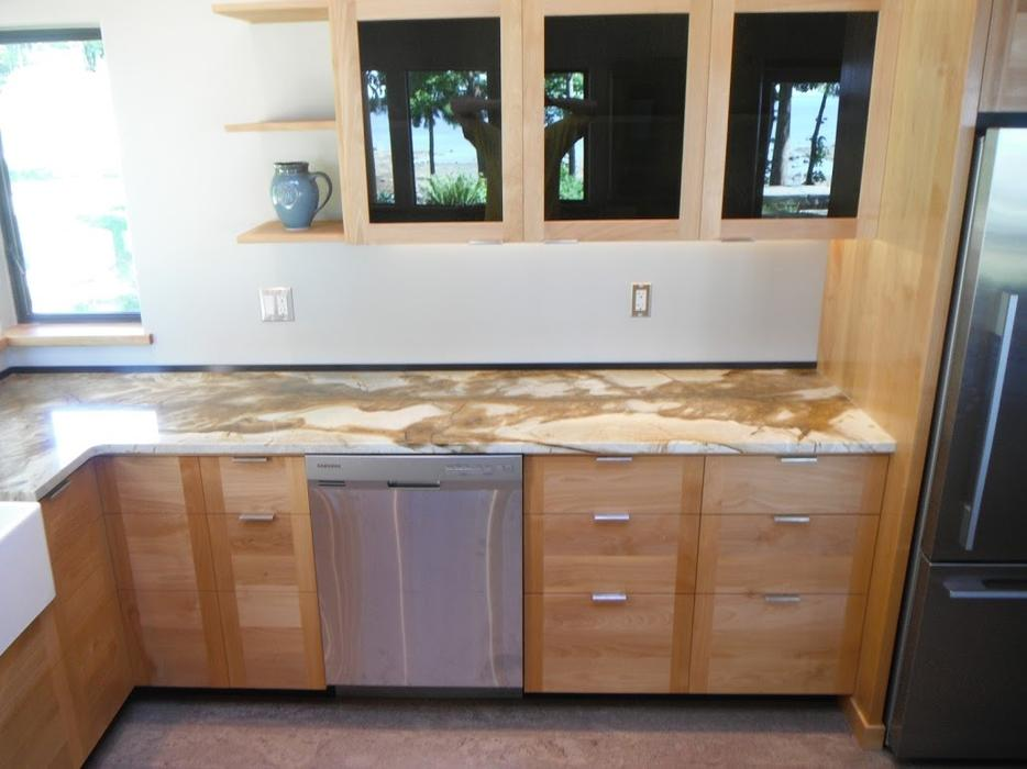 Kitchen cabinets locally built all wood qualicum for Kitchen cabinets nanaimo