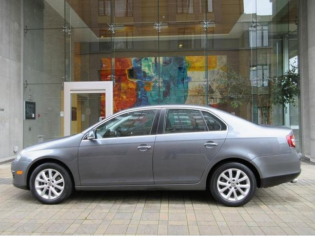 2010 Volkswagen Jetta 2.5L - ON SALE! - 61,*** KM! - LOCAL VEHICLE!
