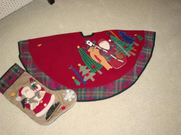 Tree Skirt Stockings 40