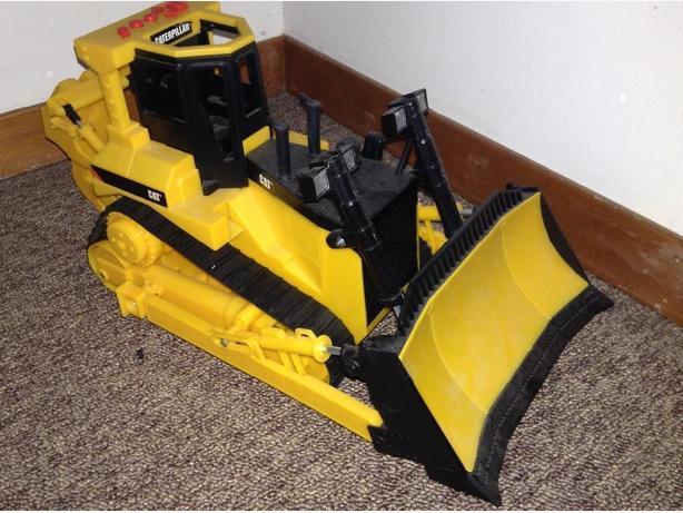 Caterpillar bulldozer toy
