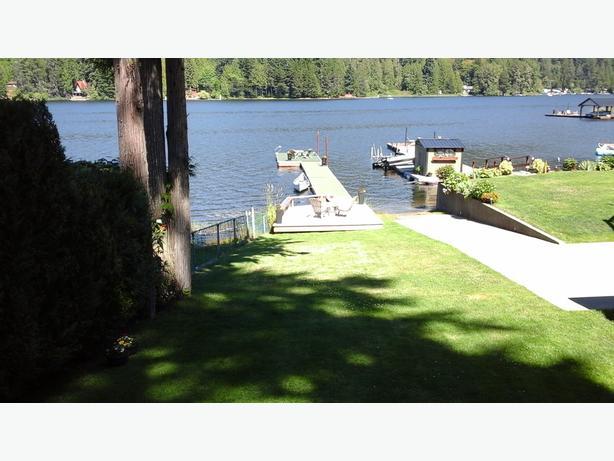 cozy cottage shawnigan lake
